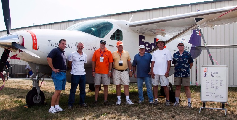 Fed Ex pilots - First-class pros who know the skies day and night.