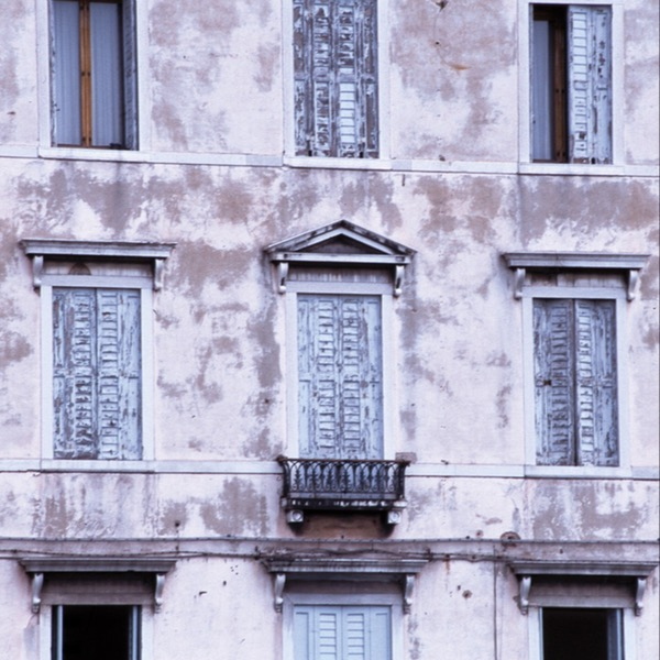 The Italian Balcony: Architectural Passion-filled Works of Historical Art