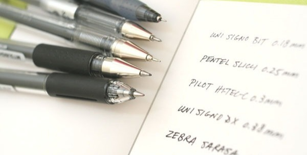 Different widths for different pens/pencils.