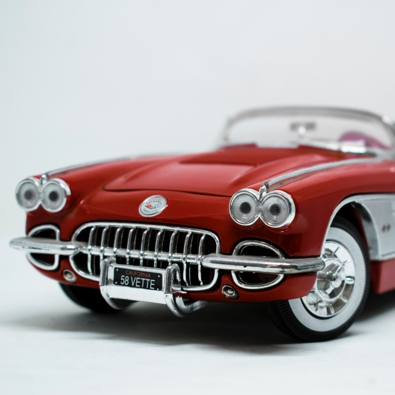 Vintage car collectors also tend to build car models in their spare time